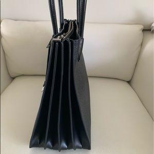 Michael Kors Bags - Michael Kors Mercer LG Accordion Tote In Black
